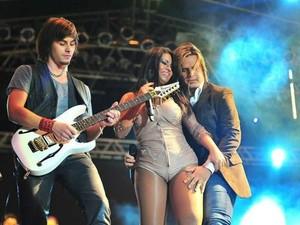 Paulinha Abelha e Marlus se apresentam na segunda noite (Foto: Divulgação/Site Oficial)