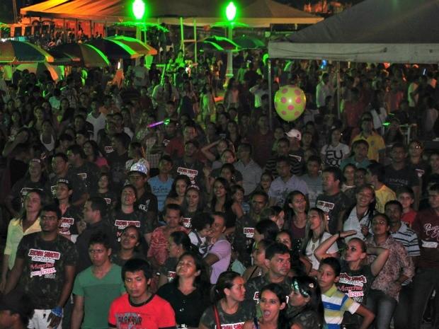 Primeira noite de festival, reuniu mais de 5 mil pessoas (Foto: Vanísia Nery/ G1)